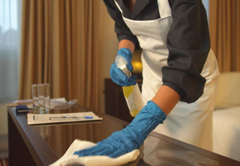 room service cleaning