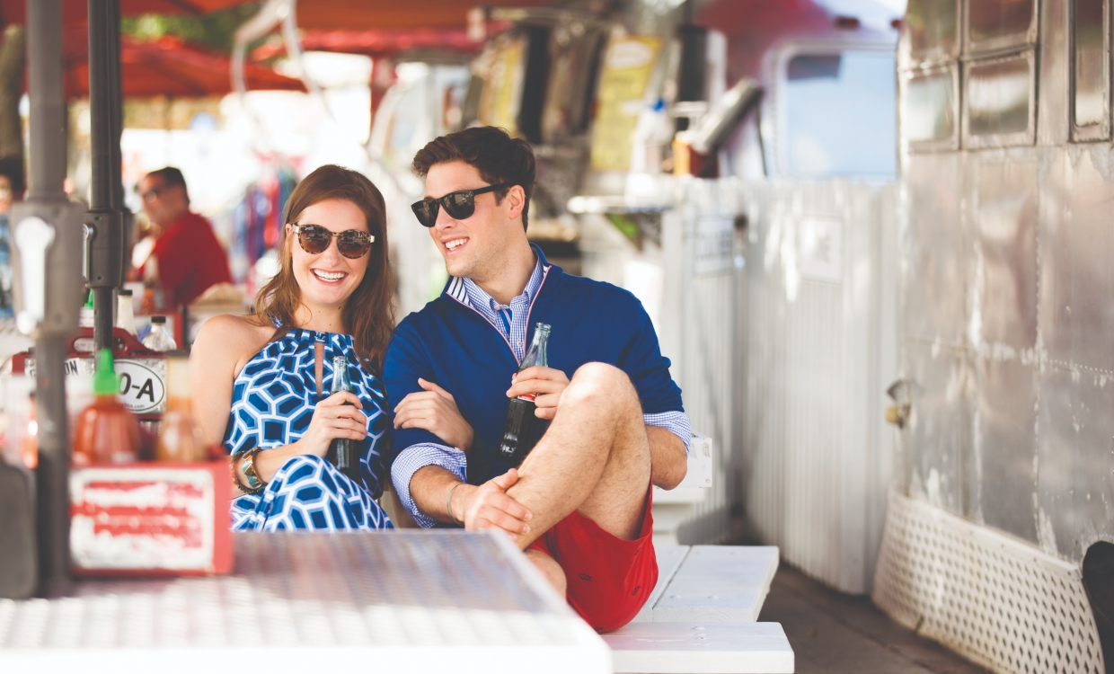 Couple dining at Baytowne Wharf